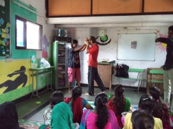 Martial Vout - Reality Gives workshop in Dharavi, India