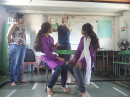 Dharavi class 2 - fighting while sitting - with Reality Gives and Martial Vout